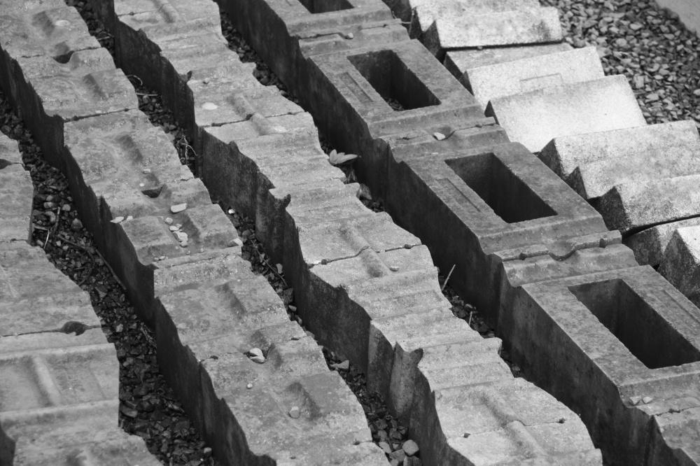 Steine, aus denen der Ofen gebaut wurde