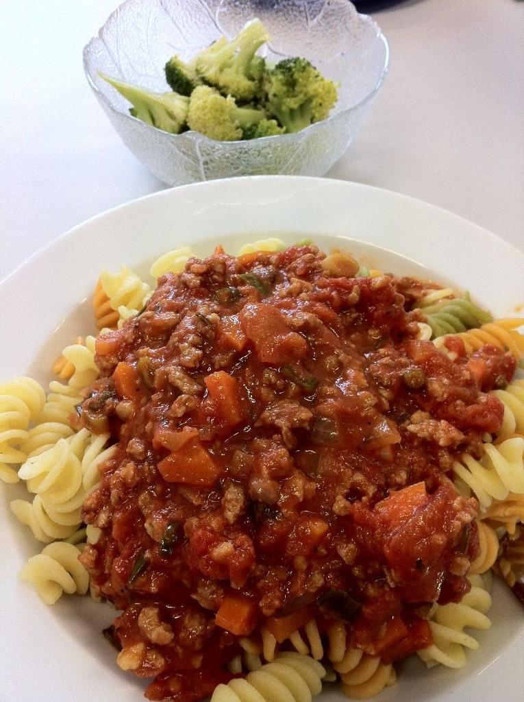 Anna-Lenas vegetarische Bolognese mit mariniertem Brokkoli