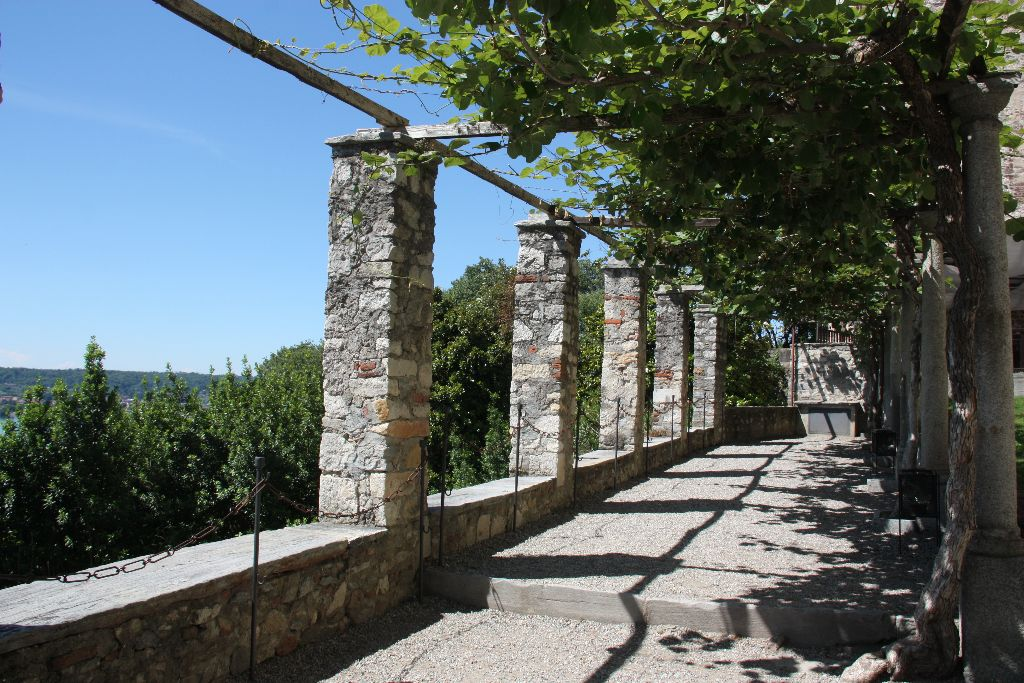 Rocca Boromeo - Schöner Blog(t)
