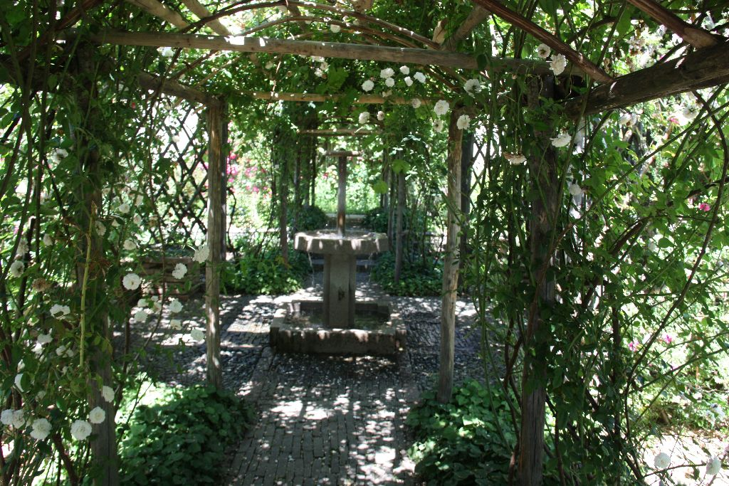 Garten Rocca di Angera