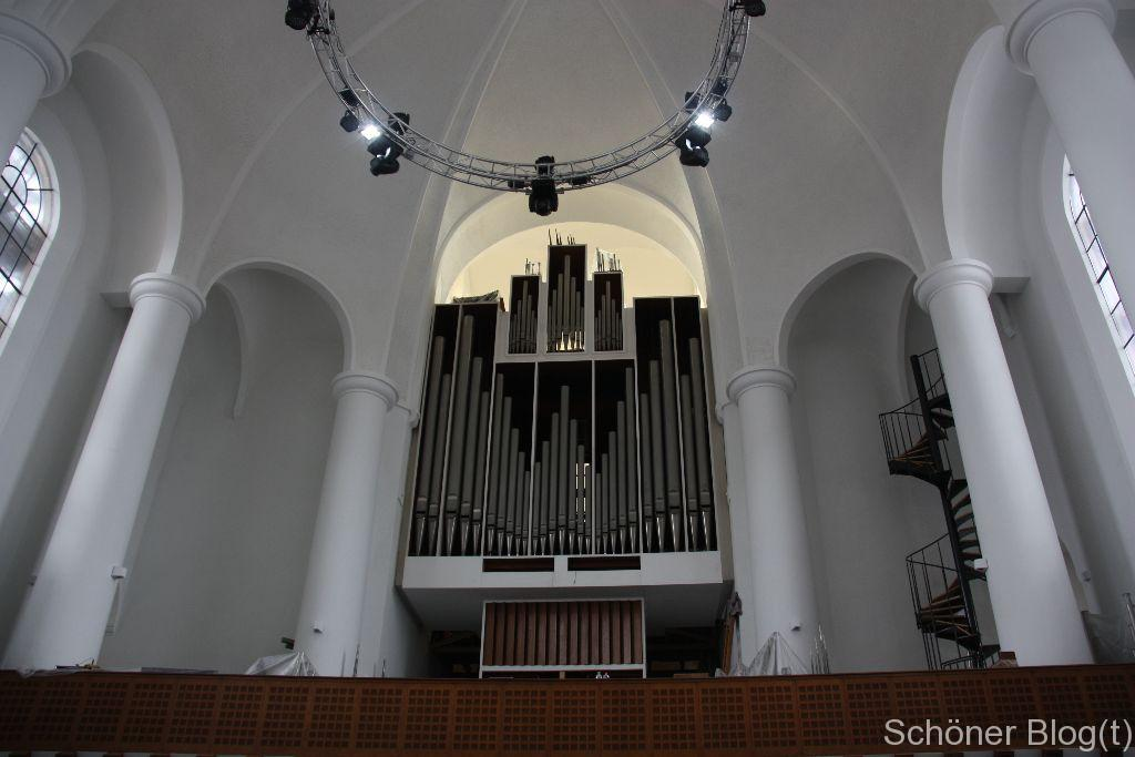 Derzeit in Restauration befindliche Orgel