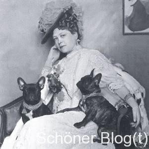 """Anna- Maria Sacher mit ihren """"Sacher-Bullys"""" (Quelle: Wikipedia, gemeinfrei)"""